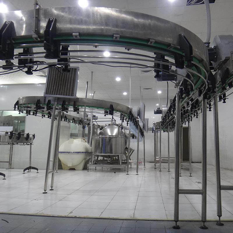 Cinta transportadora de bebidas transportadora de aire para la línea de llenado de la máquina de llenado.