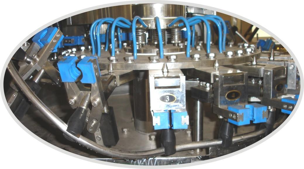 Автоматическая машина для мойки, розлива и укупорки стеклянных бутылочек со скоростью 1000-3000 бут / ч