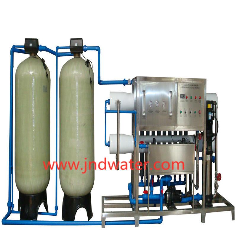 Machine à eau par osmose inverse