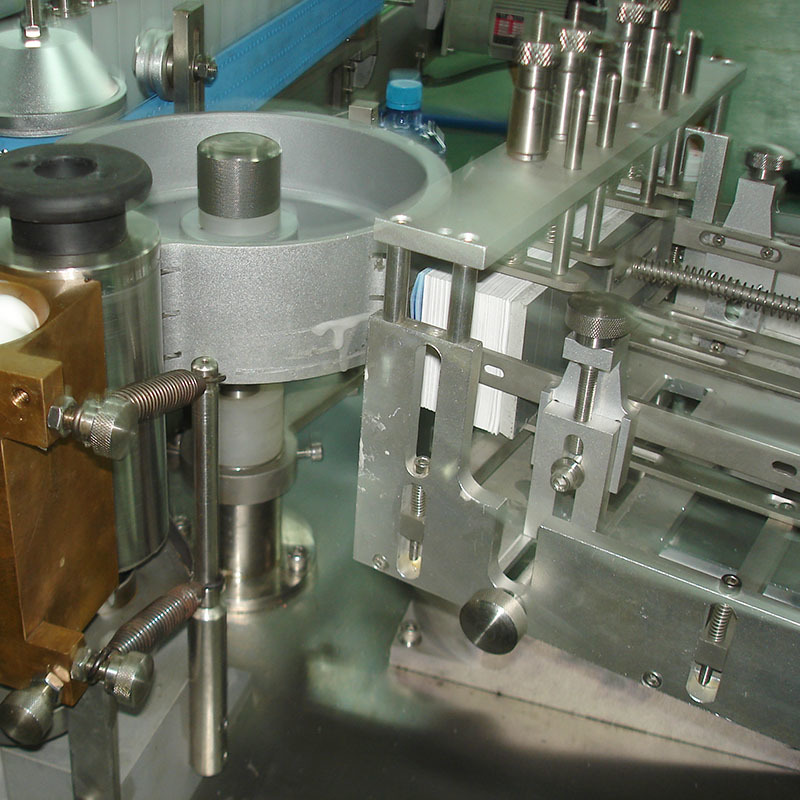 J&D WATER stainless steel semi automatic labeling machine standard for metal container-4