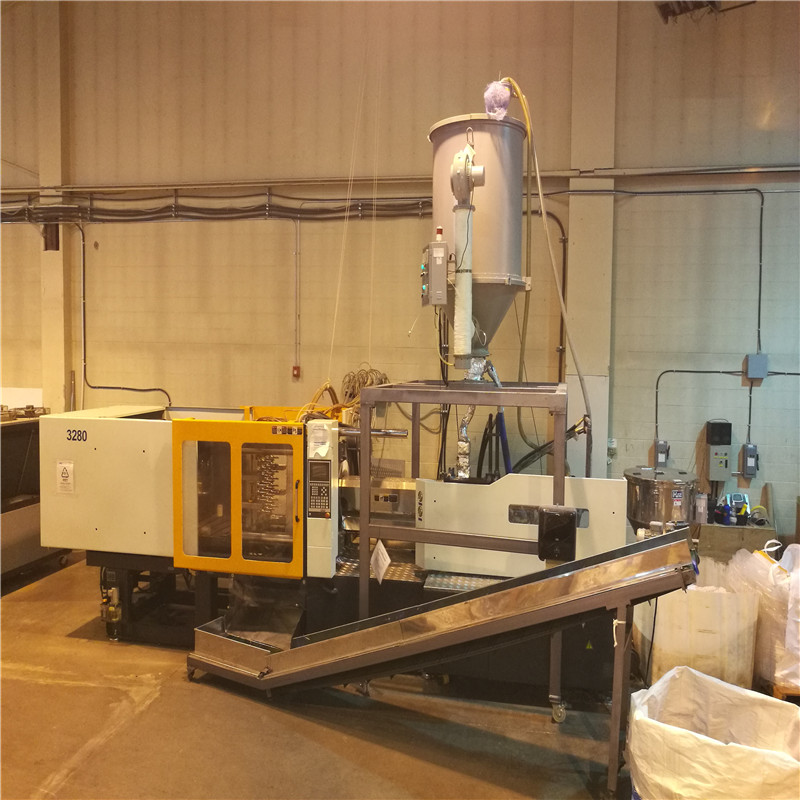 JD WATER-Things You Need To Know About Plastic Bottle Making Machine-1